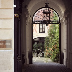 YNDO HOTEL, Le nouveau refuge 5 étoiles bordelais  YNDO HOTEL, The new 5 stars in Bordeaux